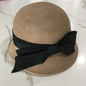NORDSTROM ~ brown felt wool hat with black bow